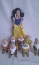 Adorable 'Snow White & the Seven Dwarfs' Disney Playset